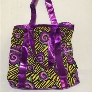 Fun Betsy Johnson large tote! Great for Spring!